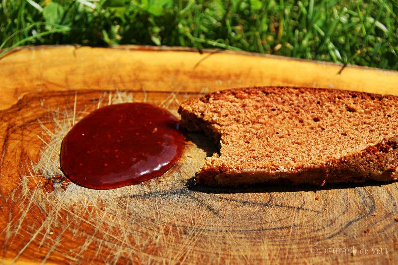 Gâteau façon sponge-cake végane cannelle et fraises