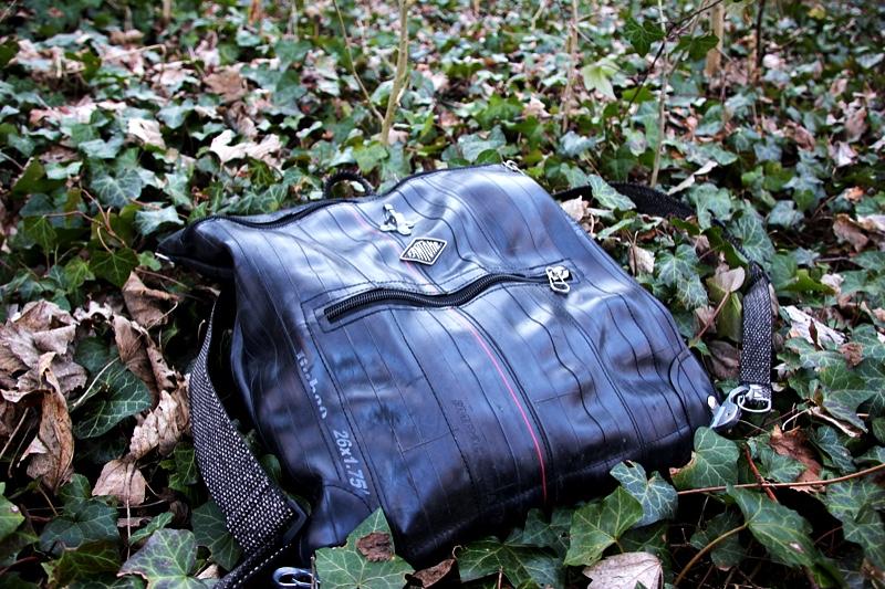 Un sac à dos en chambres à air avec Fantôme